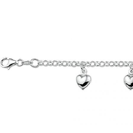 Zilveren armband met 5 hartjes.