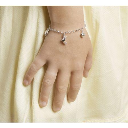 Zilveren armband met 3 bedeltjes.