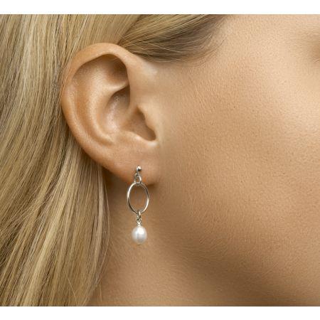 Zilveren oorhangers met parel